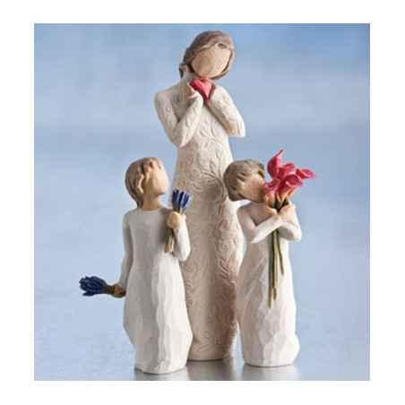Statue I Love you, statuette femme avec coeur et amour, waldorf steiner de Willow Tree
