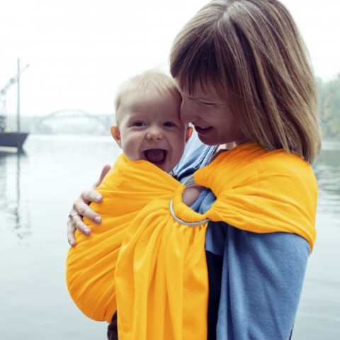 Colima-sling BIO jaune safran, hamac de portage bébé ecologique Colimaçon et cie