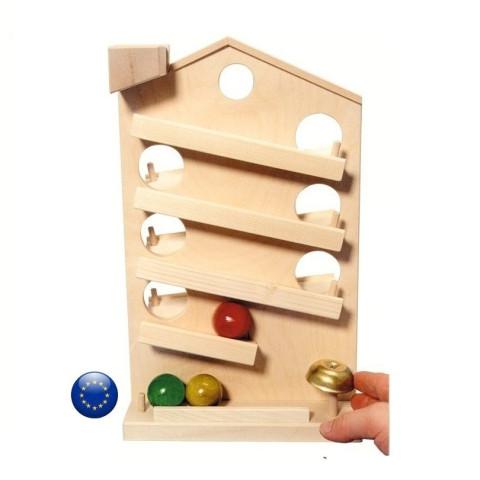 Maison circuit des boules, en bois naturel