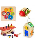 jouets en bois naturel pour l'eveil des sens et developper l'agilité